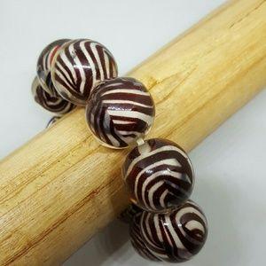 22mm zebra striped plastic bead stretch bracelet